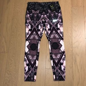NWT Nike Running Dri-Fit Cropped Leggings